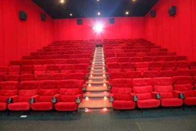 NYAMAN - Fitur 3D melengkapi Surya Yudha Cinema